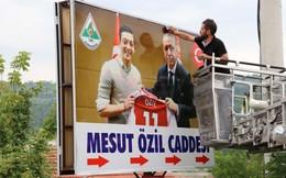 Sau thủ tướng Đức, đến lượt tổng thống Thổ Nhĩ Kỳ lên tiếng bênh vực Ozil