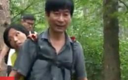 Cảm động người chồng địu vợ bị bệnh đi khắp Trung Quốc
