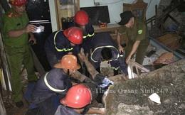 Tảng đá nặng hàng tấn từ trên núi rơi trúng nhà, đè chết 1 người dân