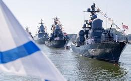 Chiến hạm, tàu ngầm trên khắp nước Nga ùn ùn ra khơi phô diễn uy lực vượt trội