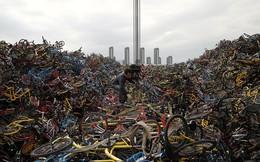 """Cận cảnh """"núi phế thải"""" toàn là xe đạp ở Trung Quốc"""