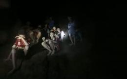 Đội bóng nhí Thái Lan bị kẹt trong hang: Duy trì sự sống nhờ nước mưa, khóc lạc cả giọng
