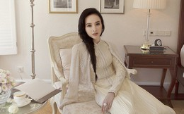 """Chán khoe thân táo bạo, Angela Phương Trinh trở lại hình ảnh """"tiểu thư đài các"""" trong tà áo dài cách tânChán khoe thân táo bạo, Angela Phương Trinh trở lại hình ảnh """"tiểu thư đài các"""""""
