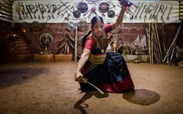 """Ấn Độ: Người phụ nữ kế thừa """"công phu một đời"""" của chồng, dạy võ cho phụ nữ và trẻ em để chống xâm hại tình dục"""