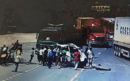 Tai nạn kinh hoàng giữa 2 xe ô tô, 5 người bị thương