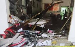 Vụ ném vật nổ vào trụ sở công an phường: Một kẻ bị thương do nổ sớm