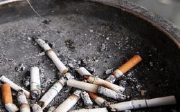 Thầy giáo bắt học sinh uống tàn thuốc lá pha nước