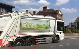Nắng nóng kỷ lục khiến xe tải mắc kẹt trong nhựa đường tan chảy