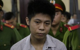 [VIDEO]: Kẻ giết 5 người dửng dưng trước sự đau khổ của gia đình nạn nhân