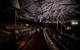 Rạp phim bị bỏ hoang ở Hong Kong: Điểm vui chơi nổi tiếng giờ chỉ còn lại đống đổ nát âm u vì những lời đồn thổi chết chóc