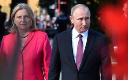 Bất ngờ dự cưới Ngoại trưởng Áo, ông Putin chơi đòn tâm lý với cả EU
