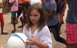 Vẻ đẹp thiên thần của bé Happer Beckham trong chuyến từ thiện cùng gia đình khiến nhiều người xuýt xoa
