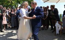 Khách VIP V.Putin mang quà đặc biệt mừng cưới Ngoại trưởng Áo