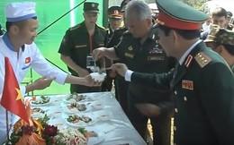 Đây là phản ứng của Bộ trưởng Quốc phòng Nga khi nếm thử nem do các chiến sĩ Việt Nam làm