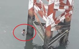 Người đàn ông ở Sài Gòn nhảy cầu, kêu cứu rồi... tự bơi vào bờ
