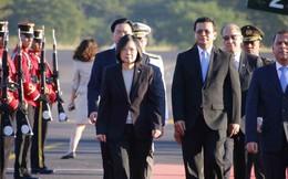 """Mất đồng minh, Đài Loan """"gằn giọng"""" ẩn ý với Bắc Kinh: Còn có 2 ông lớn chống lưng đảo này"""