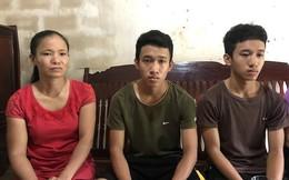 """Mẹ của 2 anh em sinh đôi cùng đậu đại học: """"2 con ra đó sẽ làm thêm kiếm tiền ăn học"""""""