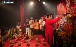 Ly kỳ chuyện nghệ sĩ được Tổ nghề độ trên sân khấu