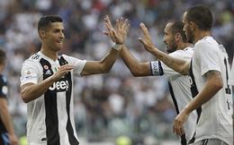 """""""Nhả đạn"""" 5 lần chưa ghi được bàn thắng, Ronaldo vẫn cao điểm nhất trận Juve 2-0 Lazio"""
