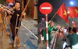 """Những hình ảnh đi bão """"chỉ có một trên đời"""" khắp đường phố Việt Nam sau chiến thắng lịch sử"""