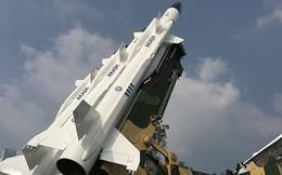 Ấn Độ muốn bán tên lửa, trực thăng cho Việt Nam