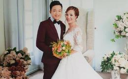 Cô dâu 61 tuổi ở Cao Bằng xúc động khi mẹ chồng tặng bộ váy cưới truyền thống của dân tộc Dao