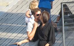 Ngọt ngào với hình ảnh Bradley Cooper một tay chăm con cho Irina Shayk thảnh thơi dạo phố
