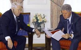 Tiết lộ tài liệu mật về Boris Yeltsin và Bill Clinton những năm 90