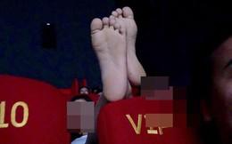 Đôi chân hư trên chiếc ghế VIP ở rạp chiếu phim khiến dân mạng bức xúc