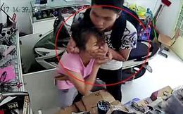 Hai thanh niên dùng dao khống chế, cướp xe cô gái trước cổng nhà trọ