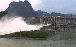 Mưa lũ dữ dội, Thủy điện Tuyên Quang mở cửa xả đáy thứ 2