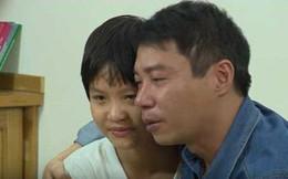 Công Lý bật khóc khi con gái đập lợn tiết kiệm, giúp bố trả tiền thuê nhà trọ