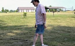 Người đàn ông có biệt tài xoay chân 180 độ và đi về phía trước khiến mọi người nể phục