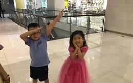 Nụ cười hạnh phúc của bé Lavie sau khi mẹ Mai Phương được xuất viện về nhà