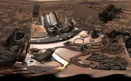 Cùng xem ảnh chụp... selfie choáng ngợp của tàu thăm dò Curiosity ngay trên Sao Hỏa