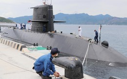 Hình ảnh tàu ngầm của lực lượng phòng vệ Nhật Bản cập cảng Cam Ranh