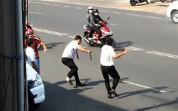 Tranh giành khách, tài xế xe ôm gọi người đánh gục đồng nghiệp trước bệnh viện ở Sài Gòn