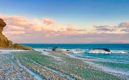 Khám phá bãi biển thủy tinh Glass Beach
