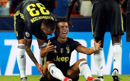 Câu nói đầy bất lực của Ronaldo khi bị phạt thẻ đỏ lần đầu tiên ở Champions League