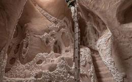 Ngắm tuyệt tác nghệ thuật không thể tinh tế hơn dưới sa mạc nóng bỏng