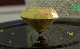 Clip: Cận cảnh miếng socola đắt nhất hành tinh luôn có 2 người canh giữ