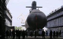 """Cận cảnh tàu ngầm tàng hình """"bóng ma trên biển"""" Kronshtadt của Nga"""
