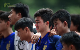 Cầu thủ Thái Lan đẫm nước mắt sau khi bị loại đầy tiếc nuối khỏi sân chơi châu Á