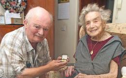 Đám cưới của cô dâu 100 tuổi và chú rể 74 tuổi 'trước khi quá muộn'