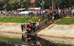 Thi thể một phụ nữ mặc váy xanh nổi trên sông ở Bắc Ninh