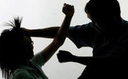 Dùng búa đập vào đầu em vợ vì lời khuyên bỏ rượu