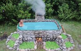 Chàng trai hút hàng triệu người xem chỉ bằng một bể bơi nguyên thủy