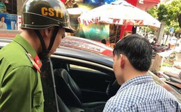 Cặp vợ chồng tá hỏa trình báo mất 290 triệu đồng trong ô tô