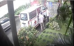 Xôn xao chuyện bảo vệ không cho xe cấp cứu vào chung cư, cư dân đột quỵ tử vong ở Hà Nội