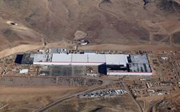 Làm việc trong nhà máy Gigafactory khổng lồ của Tesla sẽ như thế nào?